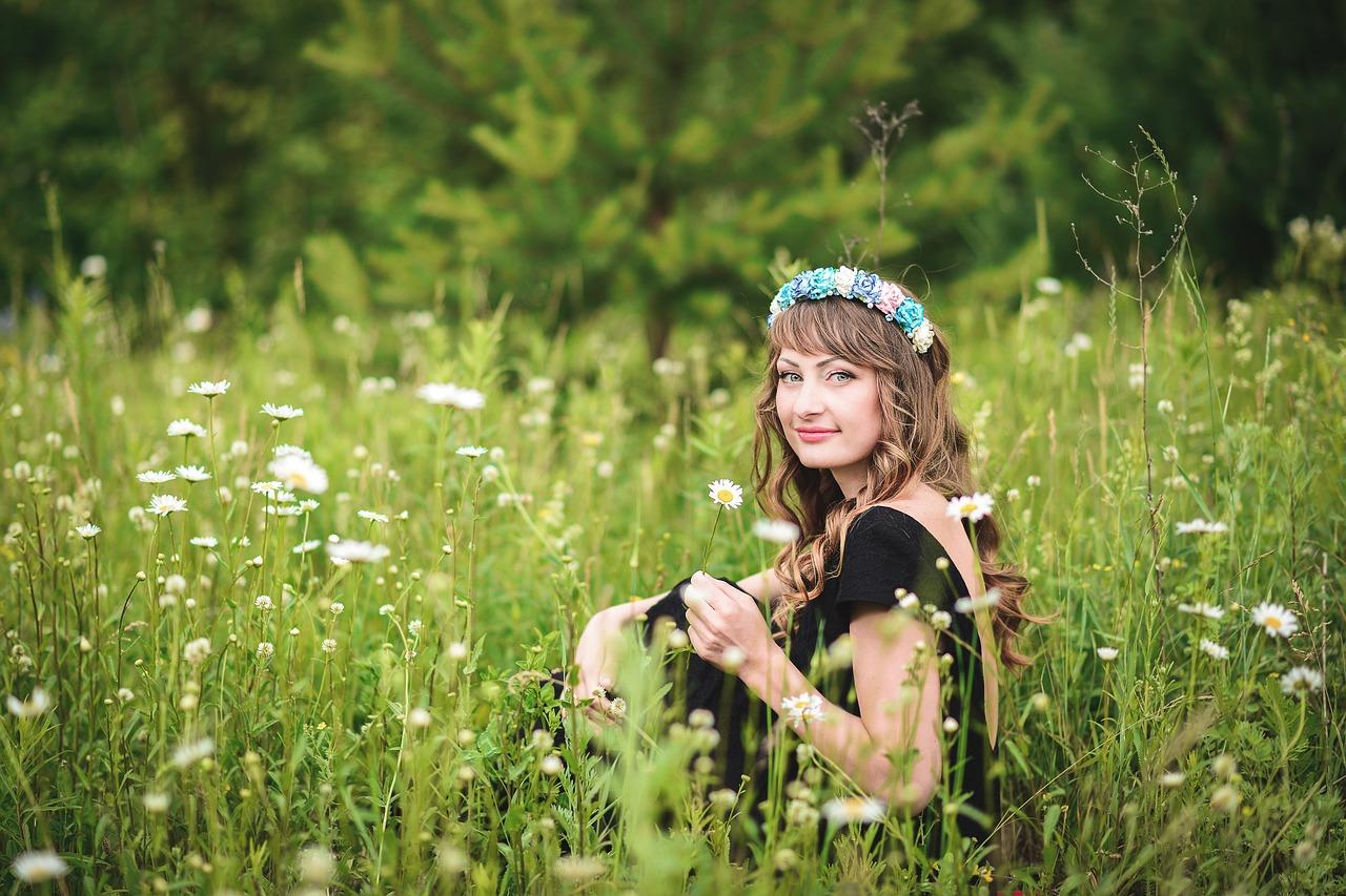 Frumusete cu flori de musetel. 4 retete naturiste care merita incercate