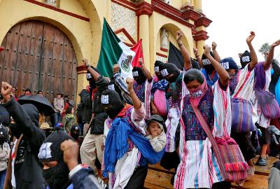 40,000 Zapatista women & men march across Chiapas 122112