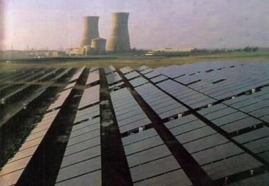 Rancho Seco closed reactor, adjacent solar panel array