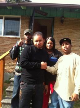 Malcolm, Ondrell Harding, Denika Chatman, JR at Denika's house Seattle 081411 by JR