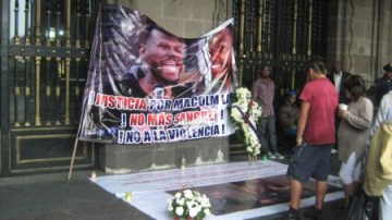 Mexico City Afro-Mexicans' hunger strike, lay wreath to demand justice for Malcolm Shabazz 071013