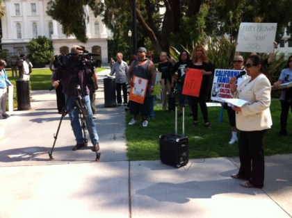 Hunger strike rally Sacramento Dolores Canales, families deliver 70,000 petitions to Gov. Brown 073013