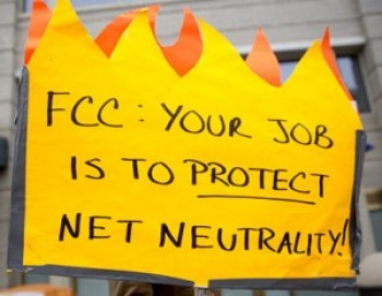Ironically, the FCC had to extend the comment period on Net Neutrality when over a million comments were made in just one day, crashing its website temporarily. Nearly all commenters strongly defend Net Neutrality – no fast lanes and slow lanes for them. – Photo: Bloomberg