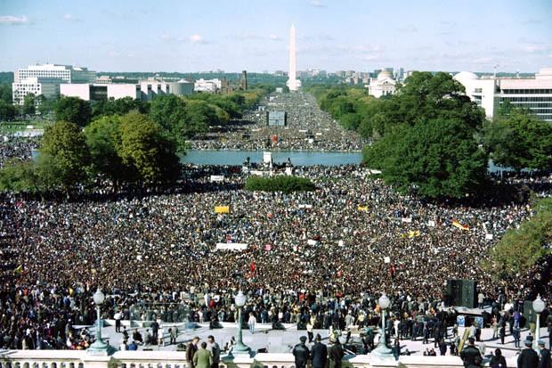 https://i1.wp.com/sfbayview.com/wp-content/uploads/2014/10/Million-Man-March-2-million-men-National-Mall-101695.jpg
