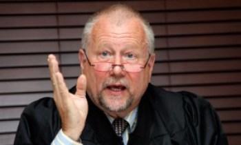 William Mitchell Law Professor Peter Erlinder