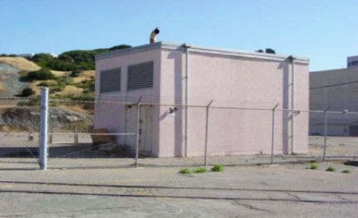 Hunters Point Shipyard Building 819 is a sewage lift station containing dry and wet wells, both approximately 20 feet deep.