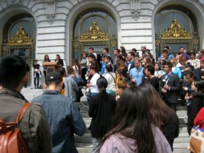 Immigrants honor Kate Steinle on the steps of San Francisco City Hall July 14. – Photo: Carl Finamore