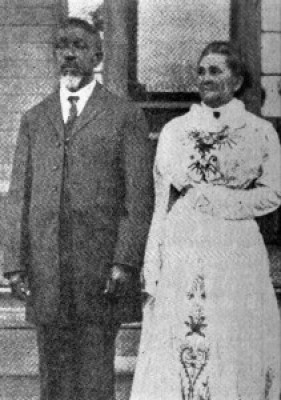Isaiah and Martha Robb Montgomery, founders of Mound Bayou, Miss., on their 50th anniversary in 1923. Isaiah, all of whose ancestors were Black, was born into an enterprising family; his father had built and operated three stores before the Civil War.