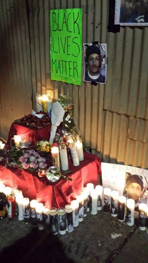 A memorial is growing at the blood-splattered place where he was executed. – Photo: Benjamin Bac Sierra