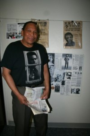 Melvin Dickson of The Commemorator, a highly respected authority on Black Panther history, spoke at the East Oakland birthday party for Huey Newton in 2008. – Photo: Minister of Information JR Valrey