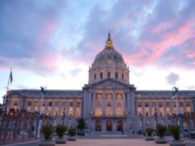 San Francisco City Hall – Photo: Sergio Ruiz, Flickr