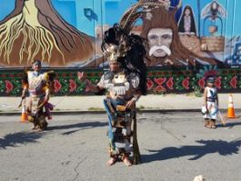 Traditional Te'o Kalli Mejica dancers bless the mural. – Photo: Greg Thomas