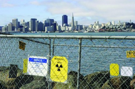 Signs warning of radiological contamination are common around Treasure Island. Only a sliver of the island has been approved for development and transferred from the Navy to the City. – Photo: Michael Short, Bay Citizen