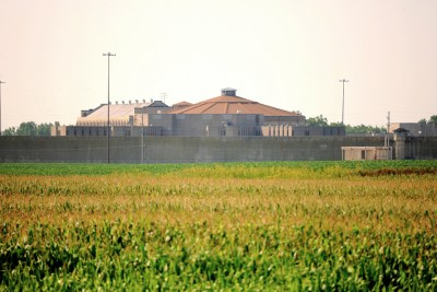 Stateville Correctional Center in Crest Hill, Illinois. – Photo: Jim Larrison