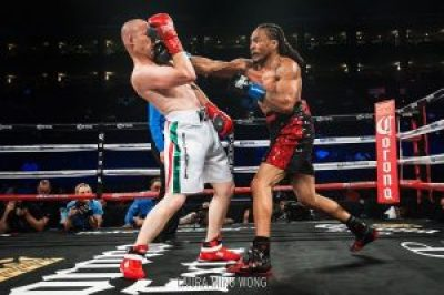 """According to RoundbyRoundBoxing.com, """"Mahasin was able to out-work Lugo with the more effective punches."""" – Photo: Laura Ming Wong"""