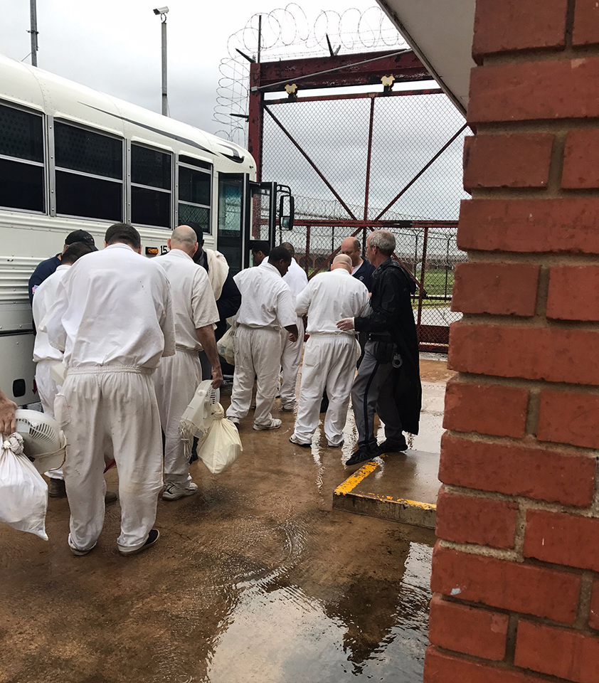 Texas prisoners denied mail as 5,000 are evacuated | San Francisco