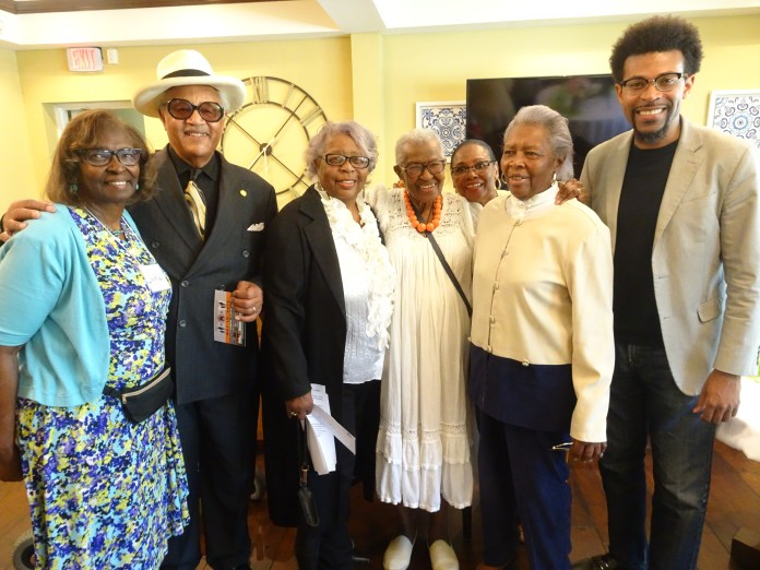 Sis.-Sadie-Williams-95-welcomes-Judge-Horace-Wheatly-his-sisters-to-her-solo-art-show-0519-by-Wanda, Wanda's Picks for June 2019, Culture Currents