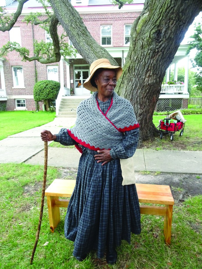 400-Years-Harriet-Tubman-reenactment-as-nurse-at-hospital-for-sick-Africans-tree-500-yrs-old-by-Wanda, Wanda's Picks for October 2019, Culture Currents