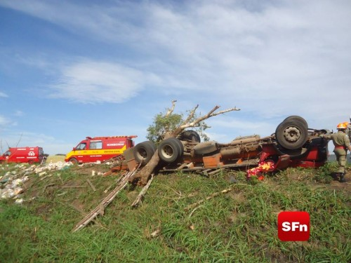 acidente com caminhão 2