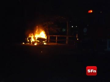 fogo em veículo 1