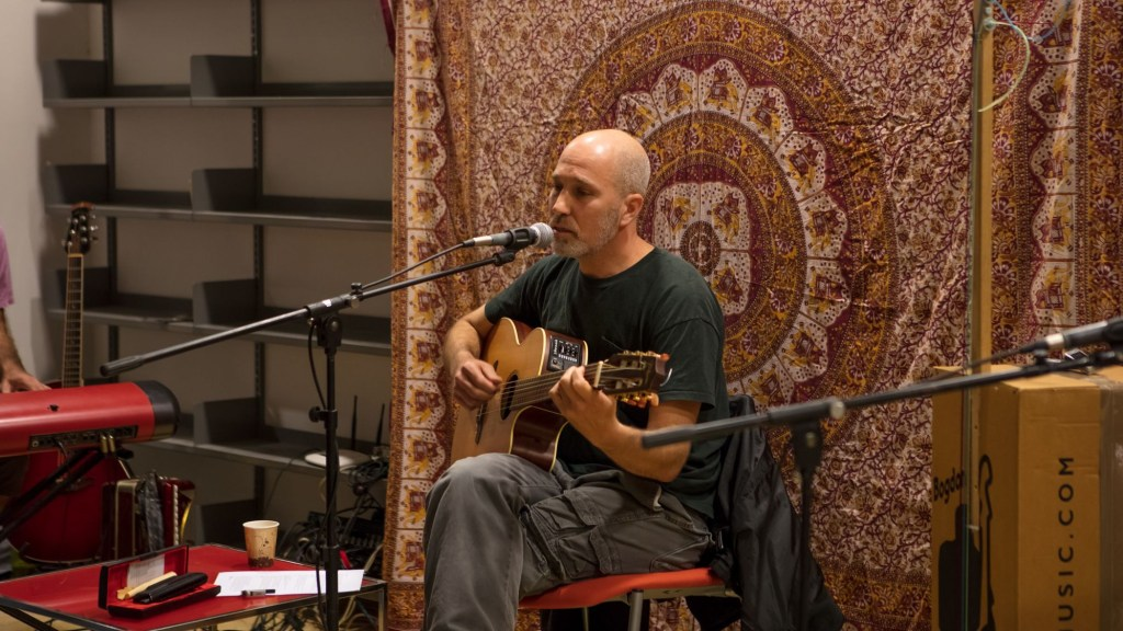 Yonatan Shapira performance