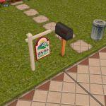 Immobilienschild neben dem Briefkasten zum Einreichen eines Hauses