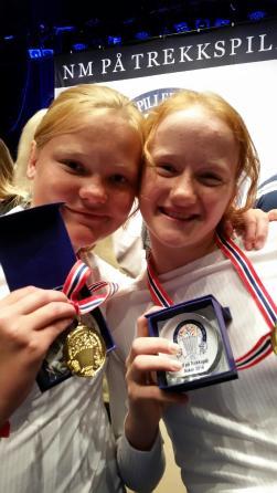 Mari Augestad Smith og Marte Leth-Olsen gikk helt til topps i den yngste duettklassen