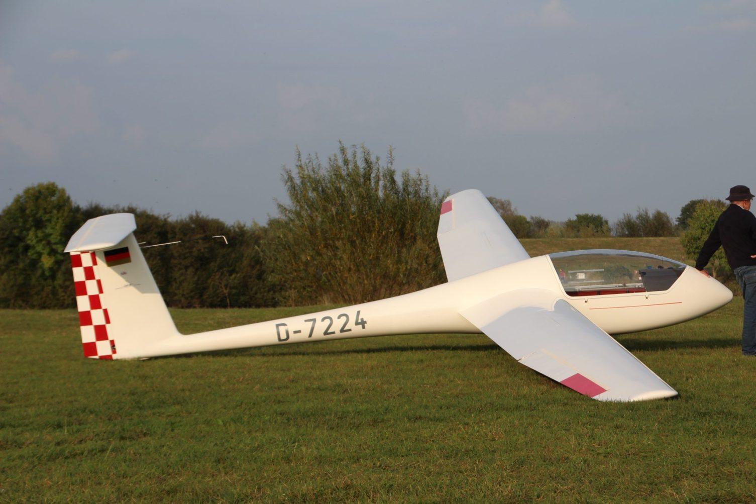 Grob Astir CS (D-7224 (24))
