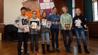 04.12.2017: Die Finalisten des Vorlesewettbewerbs (v.l.n.r.): Alexander Peschka (6a), Niklas Meyer (6c), Jamie Giera (6c), Kora Wittich (6b), Magdalene Krannich (6a) und Gloria Schrimpf (6b)