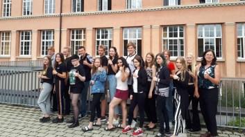 13.06.2018: die finnische Austauschgruppe freut sich über den Besuch am SG