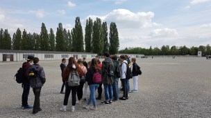 07.05.2019: Auf dem erschreckend großen Appellplatz von Dachau