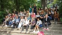 18.07.2019: Transatlantische Freundschaft unter der Schubart-Eiche: Spitzendiplomatin Patricia Lacina macht den Jugendlichen des Schubart-Gymnasiums Lust auf Welt
