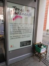 11.10.2019: Beschreibung von Tonis Ladencafe (Cafe + second hand Laden).