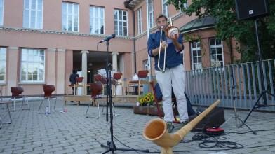 28.07.2020: Eine Posaune, ein Alphorn und viele Stimmen: Magnus Barthle kann mehrstimmig mit und ohne Loop!