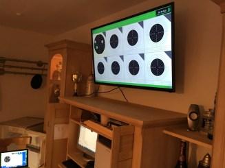 Der Fernseher im Aufenthaltsraum ist montiert