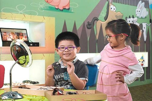myopia in singapore This article aims to address the concerns of the high rates of severe myopia in children below the ages of 12 years old there is an alarming rate of myopia among this age group alongside the rapid advancements in technology and the increasing ease of availability of smart devices.