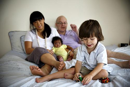 """Aimee 32 """"Định mệnh đưa con đến với mẹ""""   Cảm động với câu chuyện nhận nuôi con của một bà mẹ Singapore"""