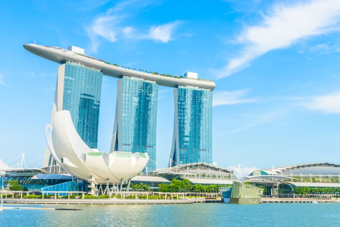 Singapore's eCommerce Economy Shrink 24% as Online Travel Sector Got Hit by COVID-19