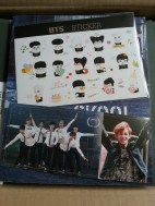 BTS – Skool Luv Affair Photocard & Sticker