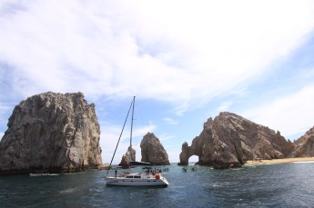 Leisurely sail in Cabo San Lucas