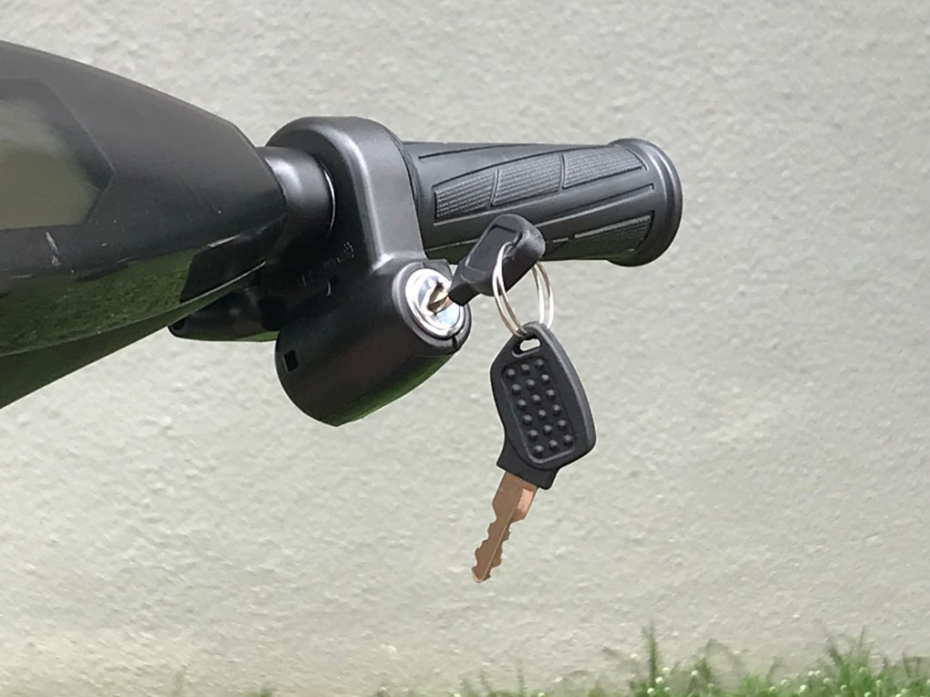 Key lock for turning on and off your Kobra
