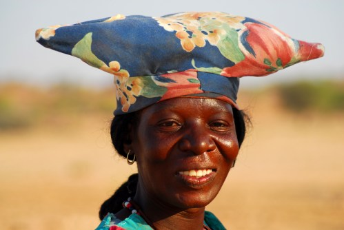 Capo Donne Semi Umane.Namibia Il Paese Dei Colori Sguardi E Prospettive