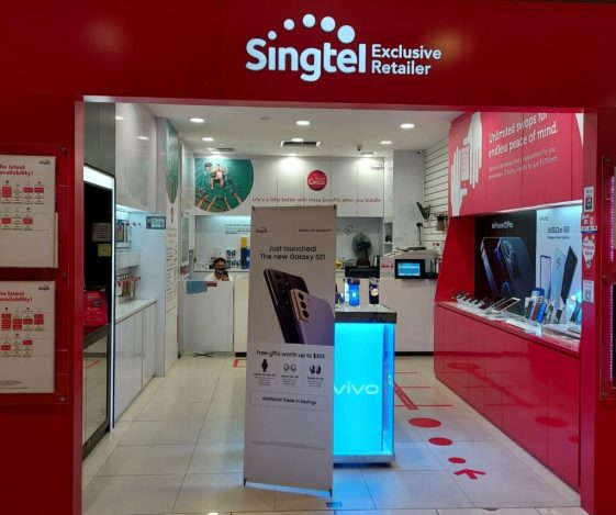 Singtel share price Z74