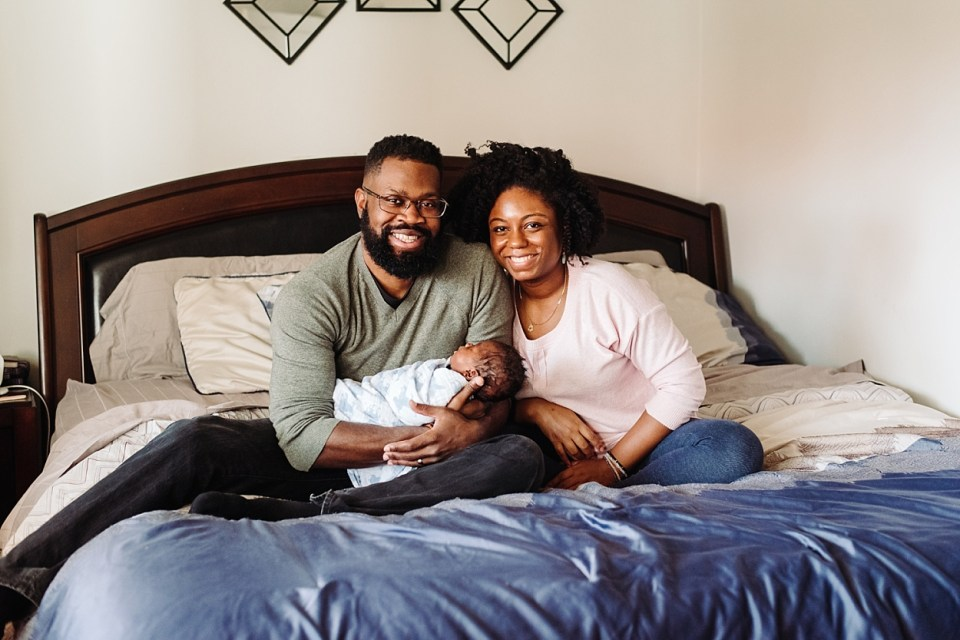 in home lifestyle newborn session family