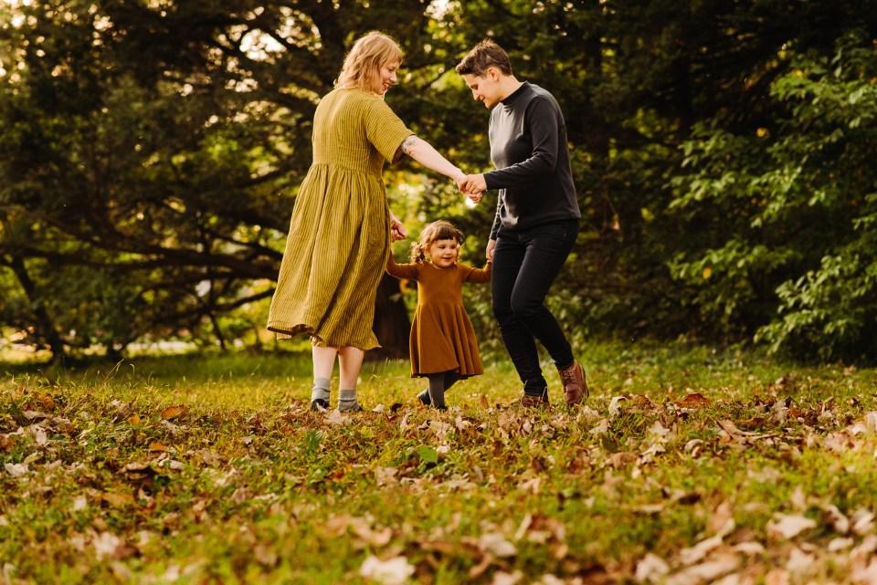 awbury arboretum family photographer