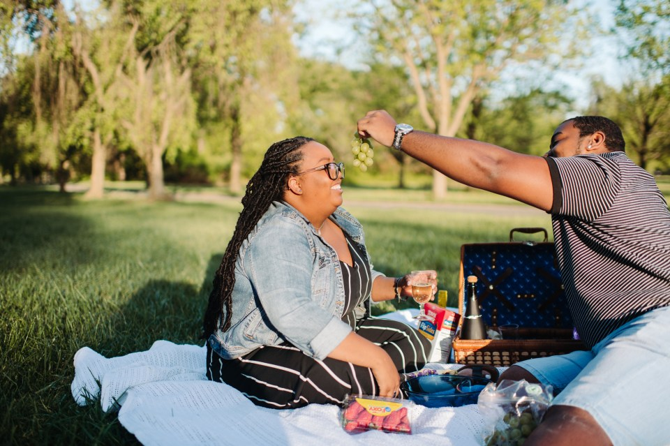 romantic picnic photography