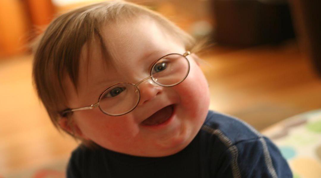 ماهي التحديات السلوكية الشائعة لدى ذوي متلازمة داون