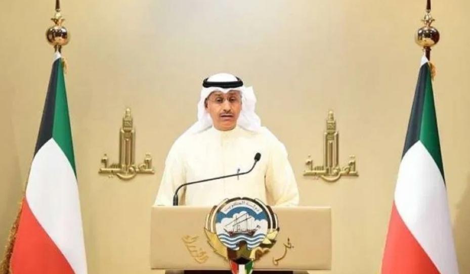 حكومة الكويت : ندعو لعدم الالتفات لما يثار في مواقع التواصل حول صحة أمير البلاد