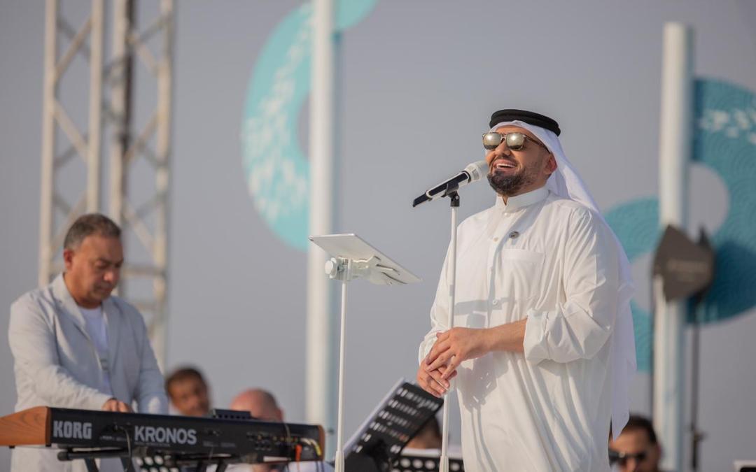 حسين الجسمي يحتفل باليوم الوطني السعودي الـ90 على شاطىء الرأس الأبيض