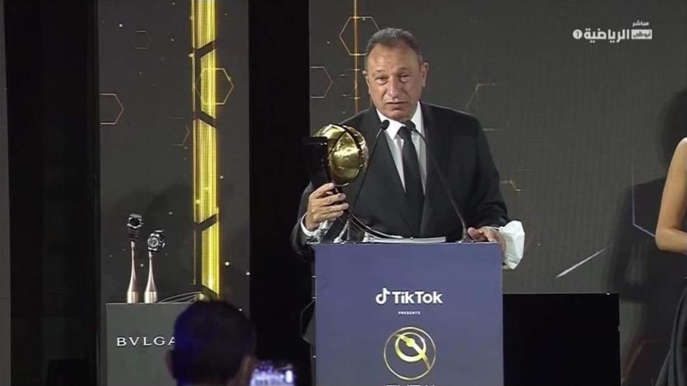 الأهلي المصري يتسلم جائزة نادي القرن في أفريقيا